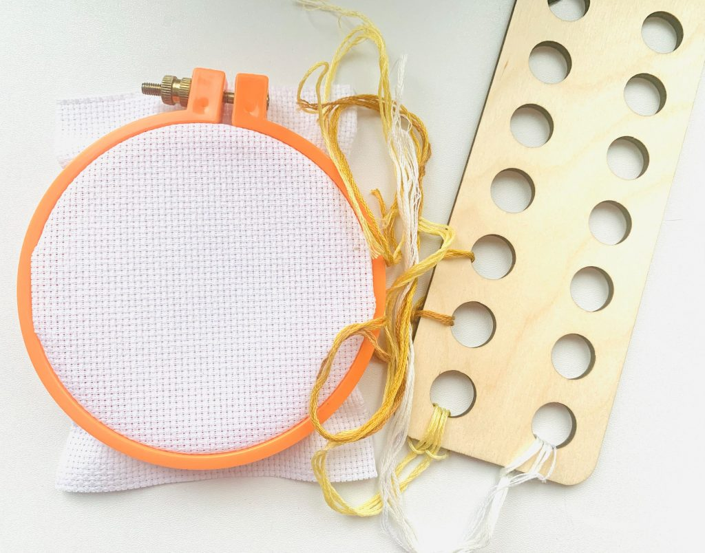 How to stitch. What is floss organizer? Stitching tips.