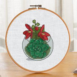 "Small cross stitch pattern ""Florarium Red Flowers""."