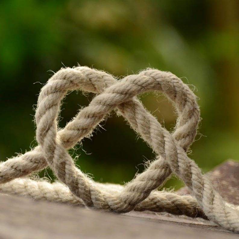 Main secret how to avoid knots in your work
