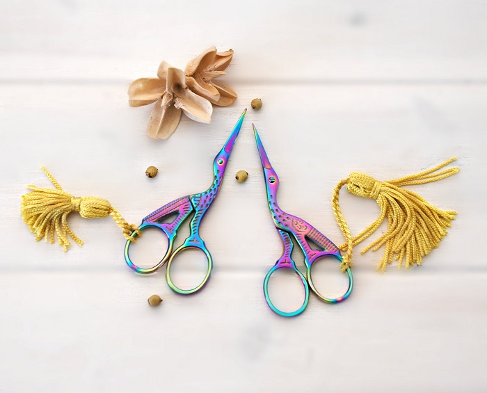 Everything you need to know about scissors fobs.